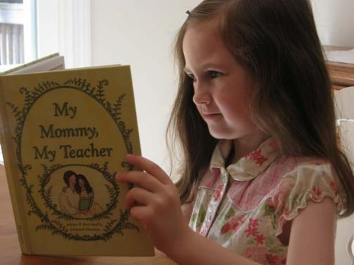 Elisabeth_reading_my_mommy